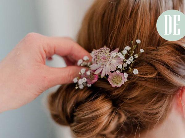 Echte Blumen als Haarschmuck?